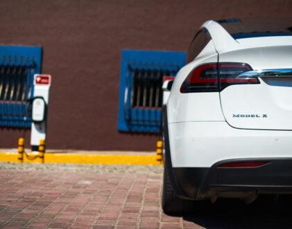Estaciones de carga Tesla en El Cid Marina