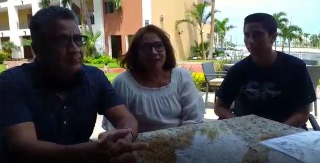 Familia  Saucedo Ornelas difruta La Marina en Mazatlan